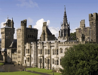 Cardiff Castle | Cardiff, Wales,UK | Travel BL