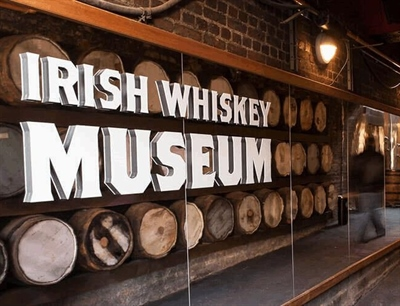 Learn more about Irish whiskey in the Irish Whiskey Museum | Dublin, Ireland | Travel BL