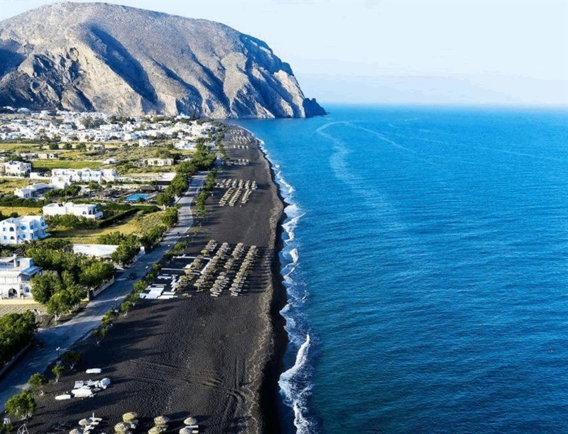 Perissa Black Sand Beach | Santorini, Greece | Travel BL