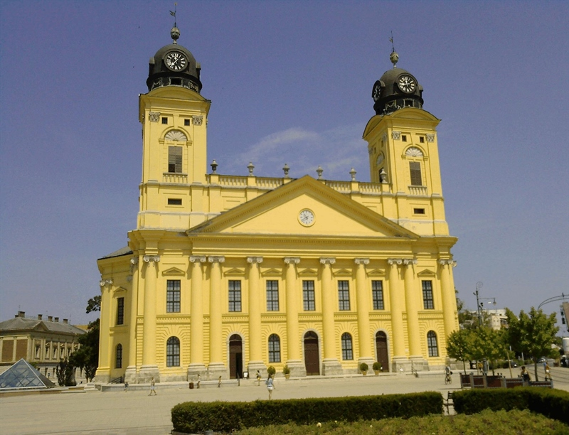 Reformed Great Church of Debrece | Debrecen, Hungary | Travel BL