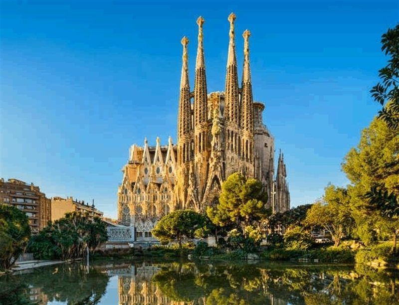 Sagrada Familia | Barcelona, Spain | Travel BL