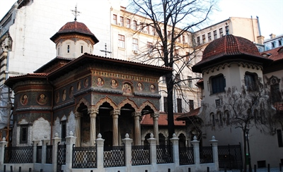 See the beautiful walls of Stavropoleos Monastery | Bucharest, Romania | Travel BL