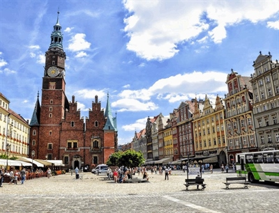 Stroll along the Main Square Poland | Krakow, Poland | Travel BL