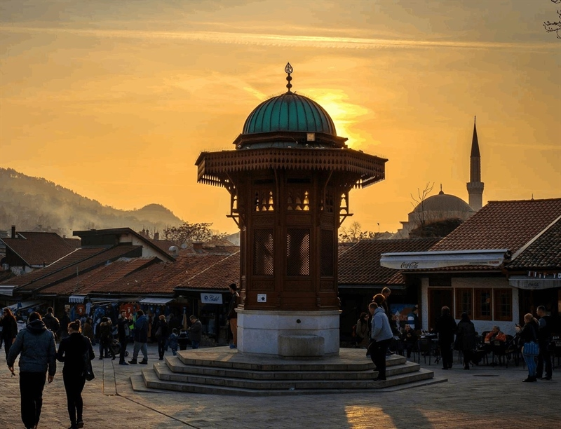 Take a photo of the Sebilj (Fountain) | Sarajevo, Bosnia and Herzegovina | Travel BL