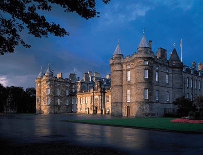The Palace of Holyroodhouse | Edinburgh, Scotland,UK | Travel BL